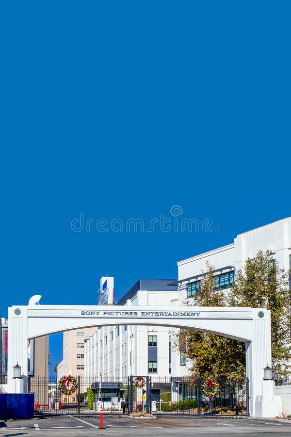 Free Sony Pictures Studios Entrance Vertical Image Royalty Free Stock Images - 48438809