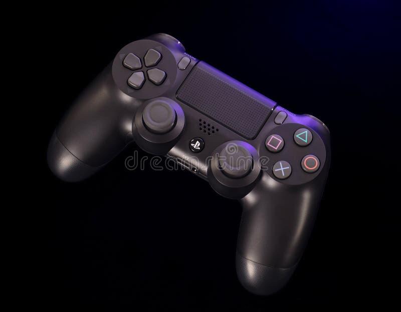 Sony Playstation 4 Controlemechanisme met Licht op Zwarte Achtergrond royalty-vrije stock afbeelding