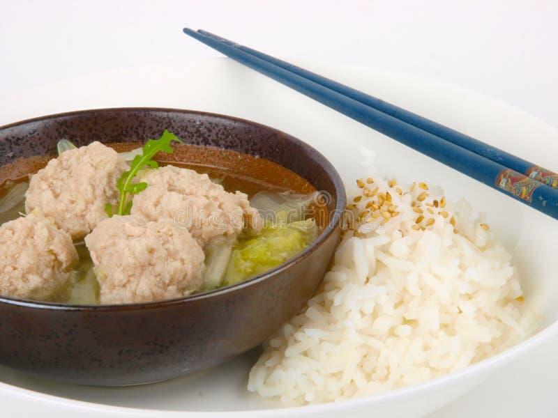 Download Sopa Chinesa Da Esfera De Carne Com Arroz Foto de Stock - Imagem de gosto, alimento: 12812936