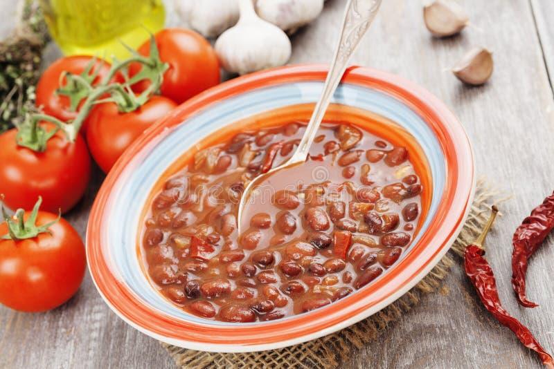 Sopa con la haba roja imagen de archivo