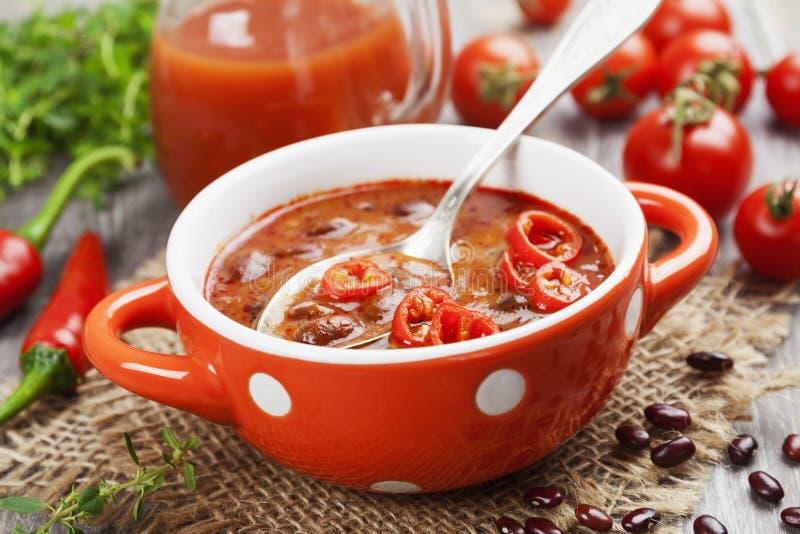 Sopa con la haba roja fotos de archivo