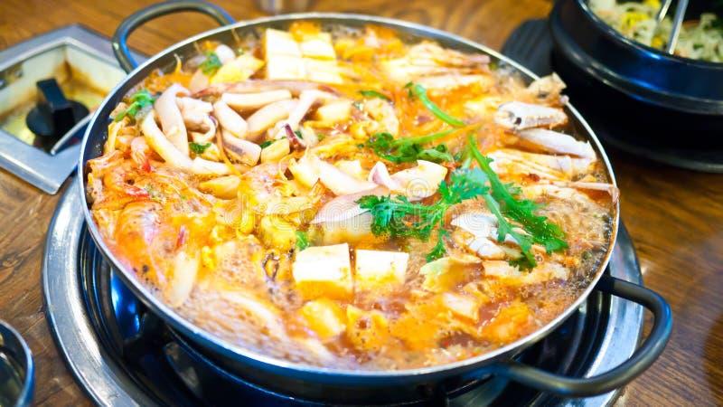 Sopa coreana del kimchi del alimento foto de archivo