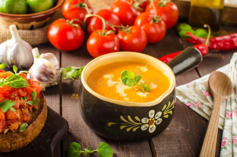 Sopa cremosa del tomate foto de archivo