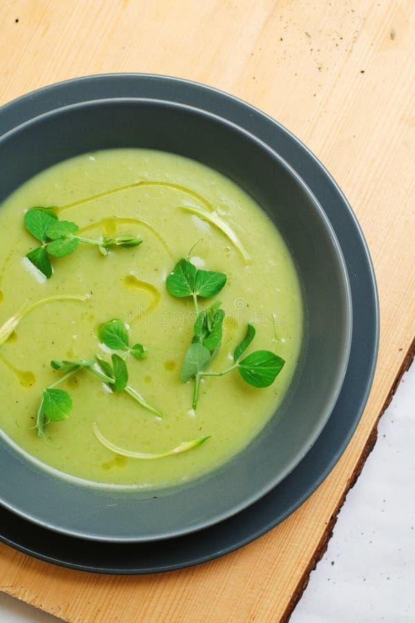 Sopa da batata e do rosemary imagem de stock royalty free
