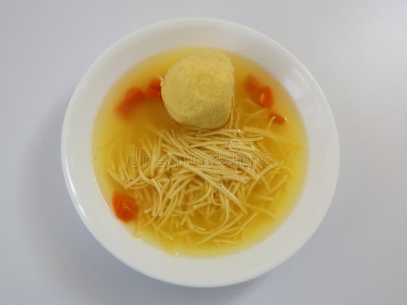 Sopa da bola do Matzoh imagem de stock royalty free