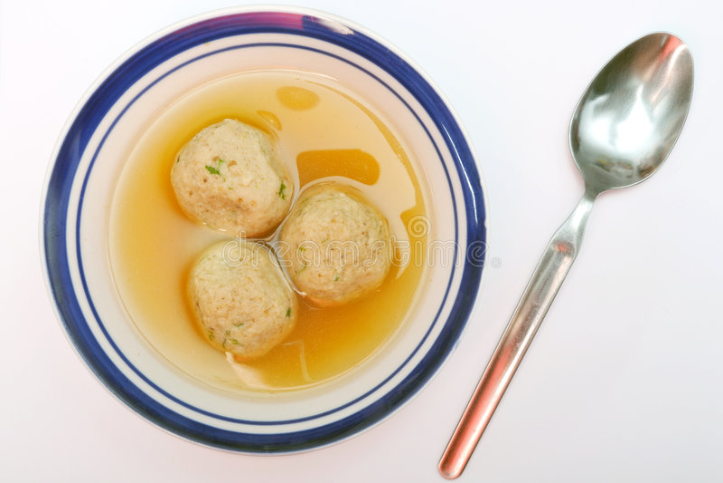 Sopa da esfera do Matzah fotos de stock
