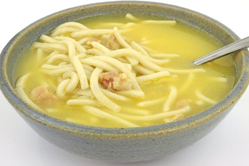 Sopa da galinha e de macarronete fotos de stock