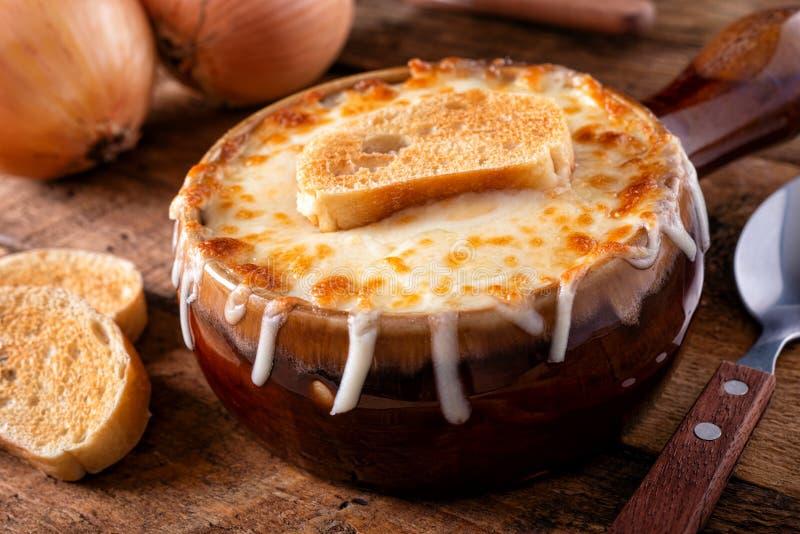 Sopa de Cebola Francesa imagem de stock