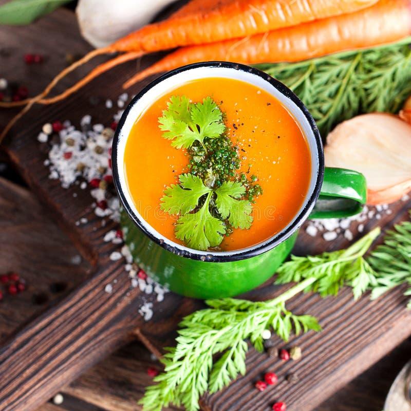 Sopa de creme da cenoura foto de stock royalty free