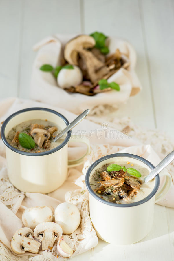 Sopa de creme do cogumelo imagens de stock royalty free
