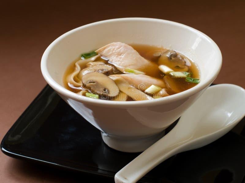 Sopa de fideos asiática imagenes de archivo