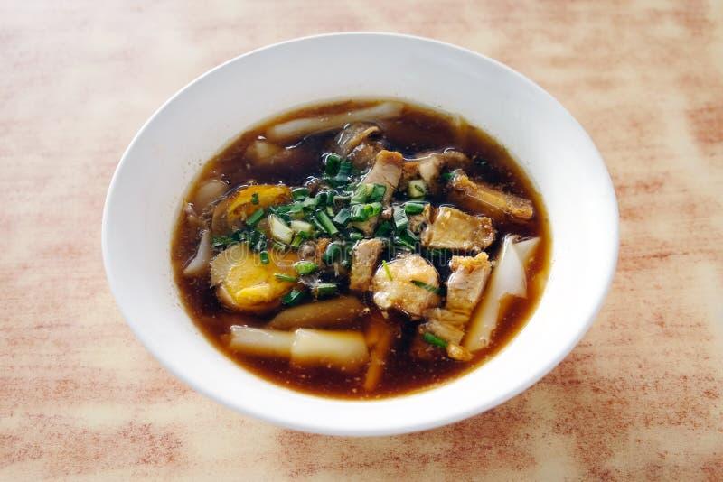 Sopa de fideos del rollo del chino, jap de Kuay fotos de archivo