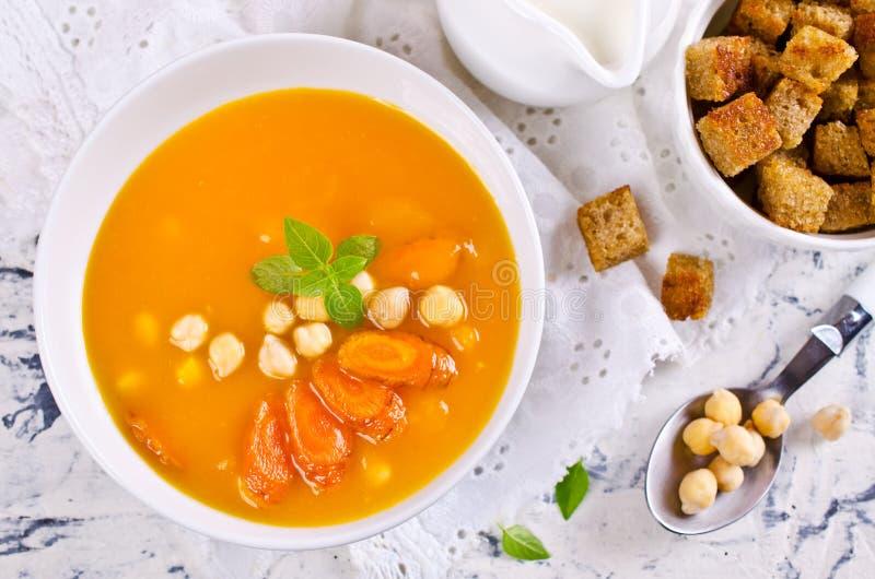 Sopa de la calabaza y de la zanahoria foto de archivo libre de regalías