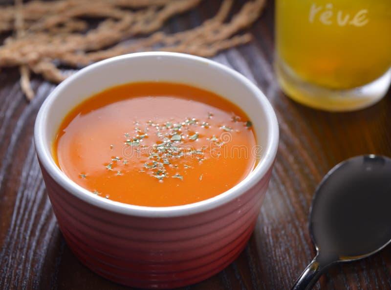 Sopa de la zanahoria de la calabaza imagen de archivo libre de regalías