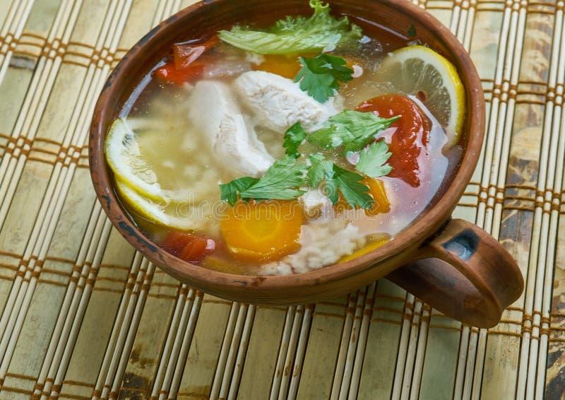 Sopa de macarronete da galinha do limão fotografia de stock royalty free
