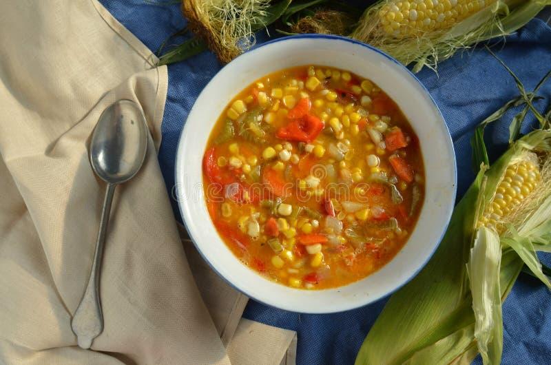 Sopa de pescado de maíz del vegano fotos de archivo libres de regalías