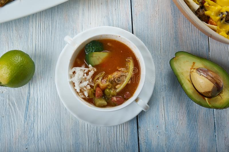 Sopa de pollo de Tex-Mex imagen de archivo libre de regalías