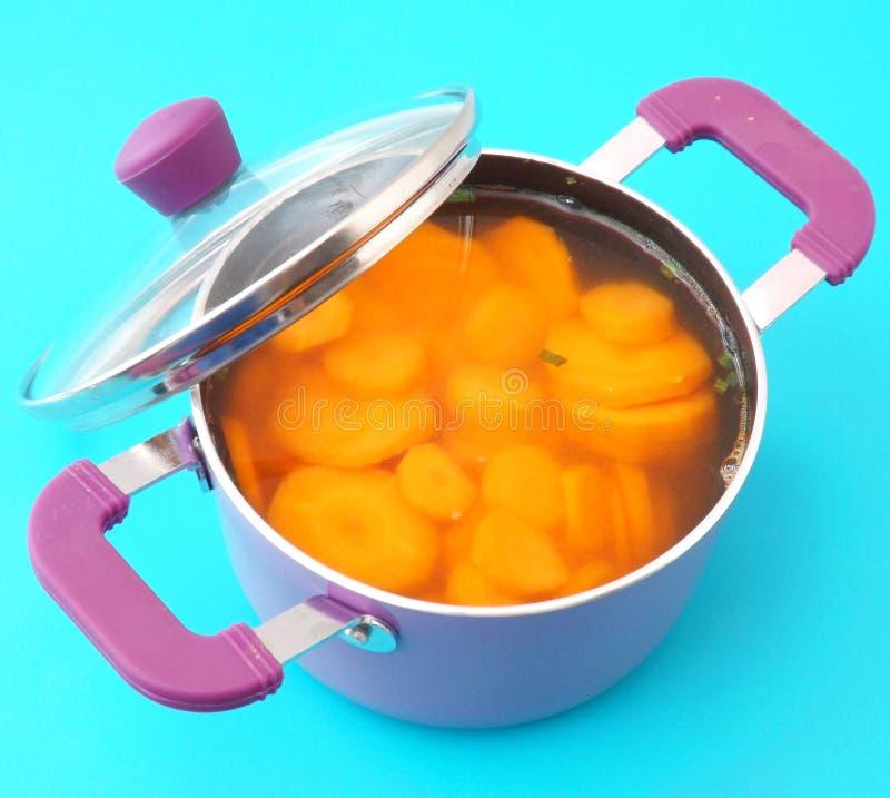 Download Sopa de zanahorias imagen de archivo. Imagen de cooking - 42426525