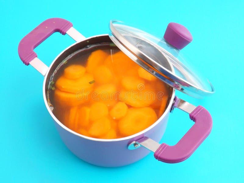 Download Sopa de zanahorias foto de archivo. Imagen de fresco - 42426530
