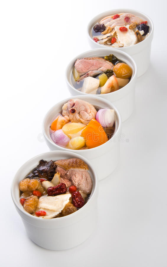 Sopa del pollo y de la hierba, estilo chino del alimento. fotografía de archivo