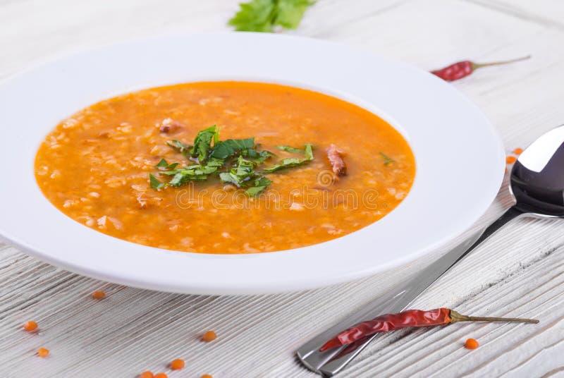 Sopa do bulgur e das lentilhas imagens de stock