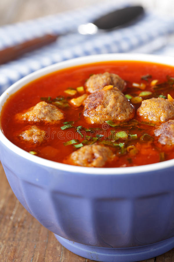Sopa do meatball do tomate foto de stock royalty free
