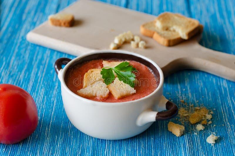 Sopa do tomate com queijo imagem de stock