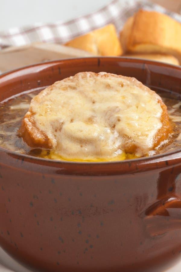 Sopa francesa de la cebolla foto de archivo libre de regalías