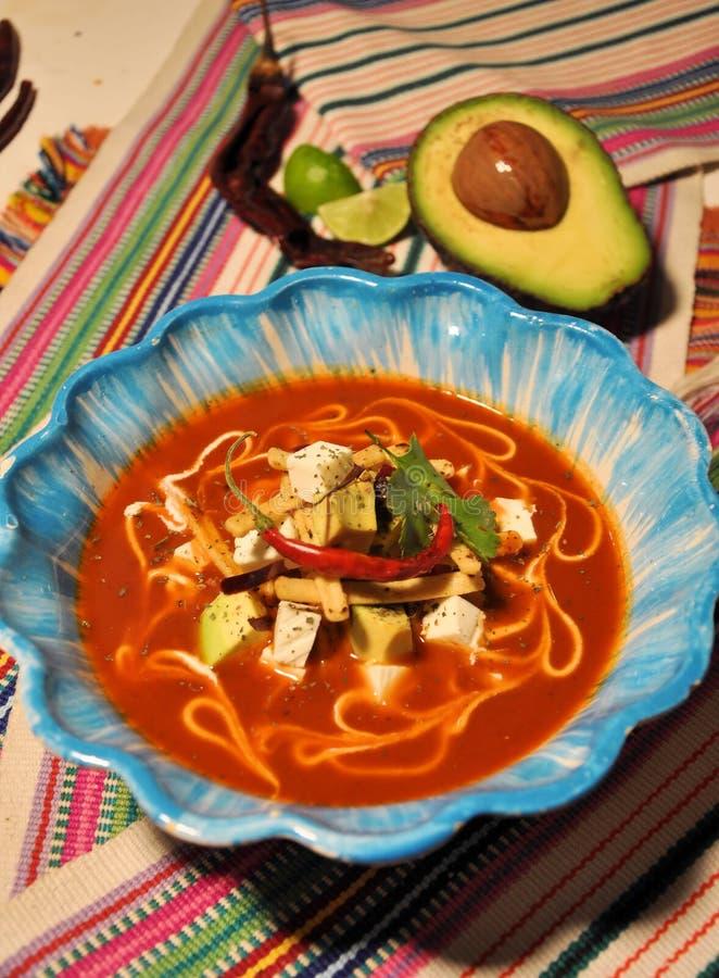 Sopa mexicana do Tortilla fotografia de stock royalty free