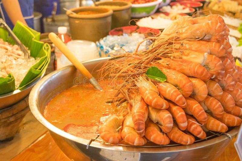 Sopa picante do nardo de Tom Yum Goong imagem de stock royalty free