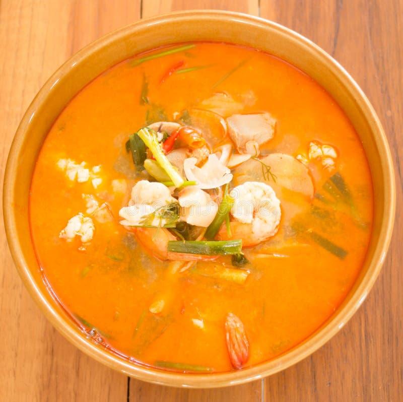 Sopa picante tailandesa de los mariscos de Tom Yum Kung fotografía de archivo libre de regalías
