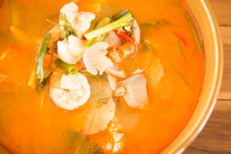 Sopa picante tailandesa de los mariscos de Tom Yum Kung imagen de archivo libre de regalías