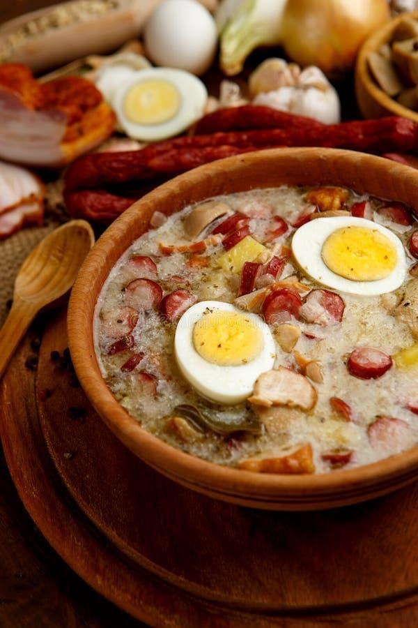 Sopa polonesa tradicional Zurek da Páscoa foto de stock royalty free