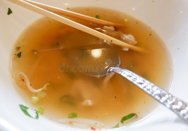 Sopa restante do copo do alimento imagens de stock royalty free