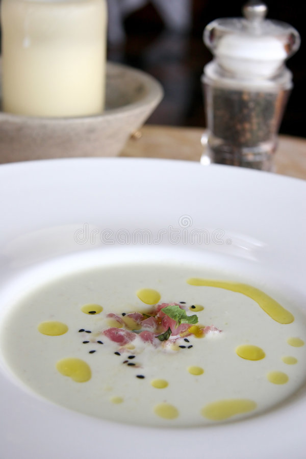 Sopa rica do marisco do atum imagem de stock