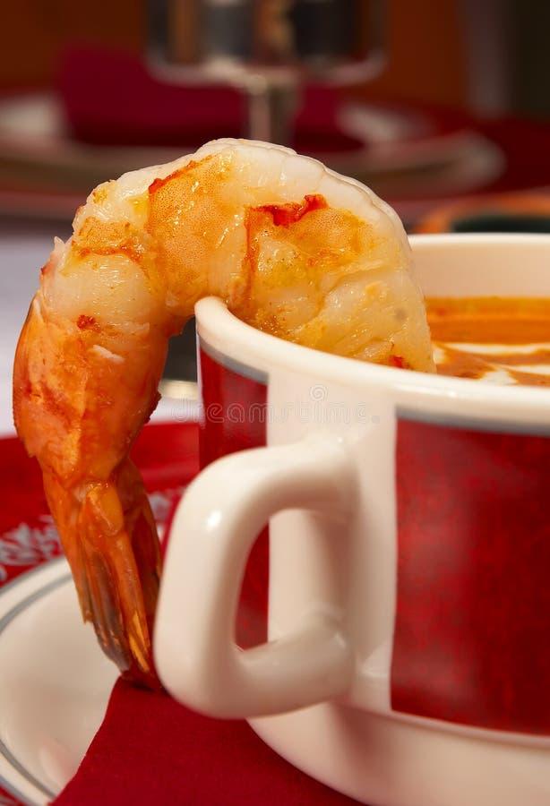 Sopa sabrosa en un vector en el restaurante foto de archivo