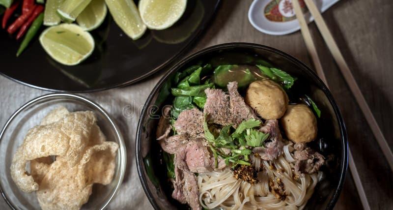 Sopa tailandesa do sangue do macarronete do estilo, macarronete do barco, prato delicioso, sopa de macarronete tailandesa famosa imagem de stock royalty free