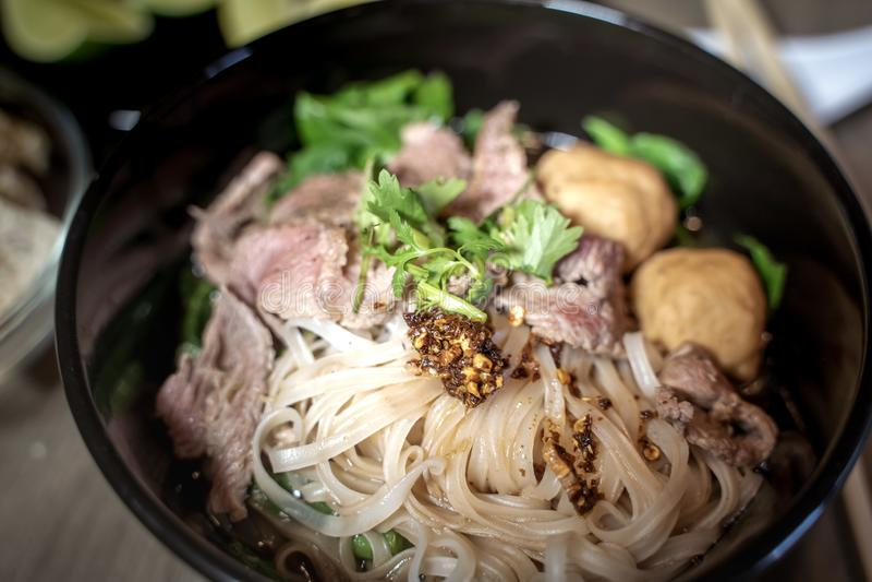 Sopa tailandesa do sangue do macarronete do estilo, macarronete do barco, prato delicioso, sopa de macarronete tailandesa famosa fotografia de stock royalty free