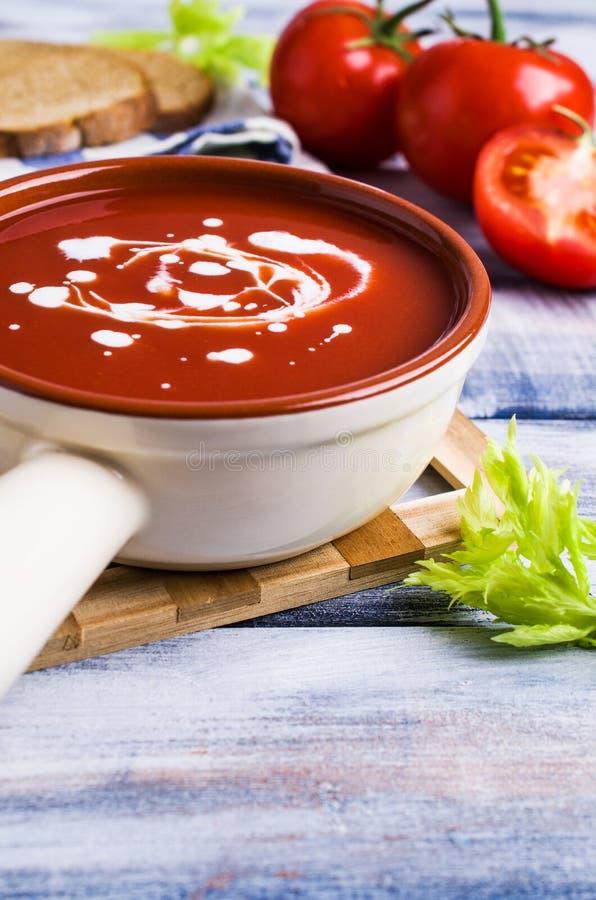 Sopa tradicional do tomate fotos de stock