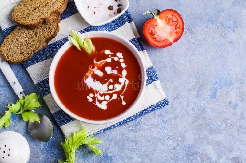 Sopa tradicional do tomate imagem de stock