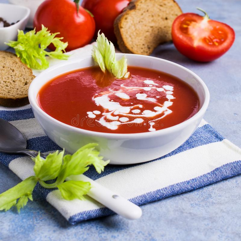 Sopa tradicional do tomate foto de stock royalty free