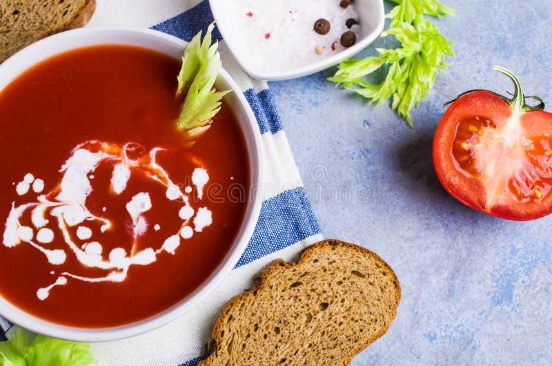 Sopa tradicional do tomate fotografia de stock royalty free