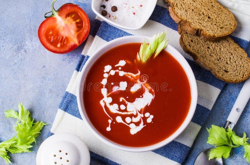 Sopa tradicional do tomate fotografia de stock