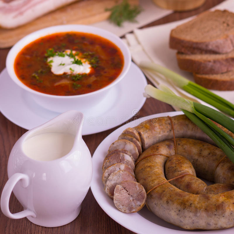 Sopa vegetal do prato nacional ucraniano - borsch imagens de stock royalty free