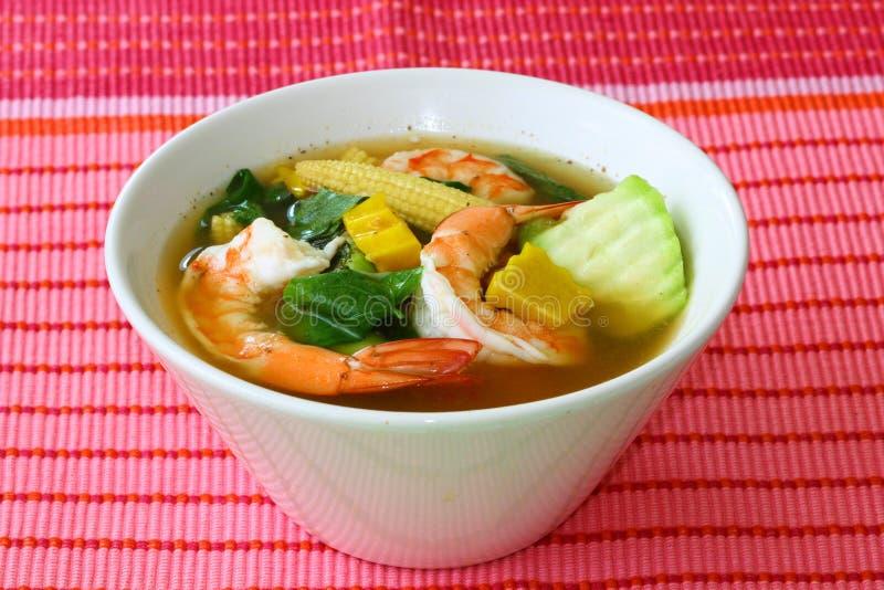 Sopa vegetal misturada picante tailandesa com grupo Liang Goong dos camarões imagem de stock royalty free