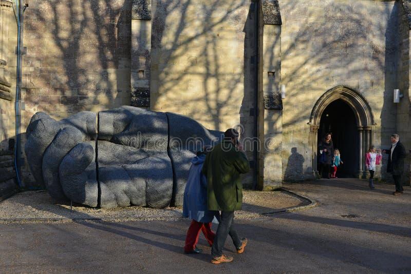 Sophie Ryder Art Exhibition na catedral de Salisbúria foto de stock