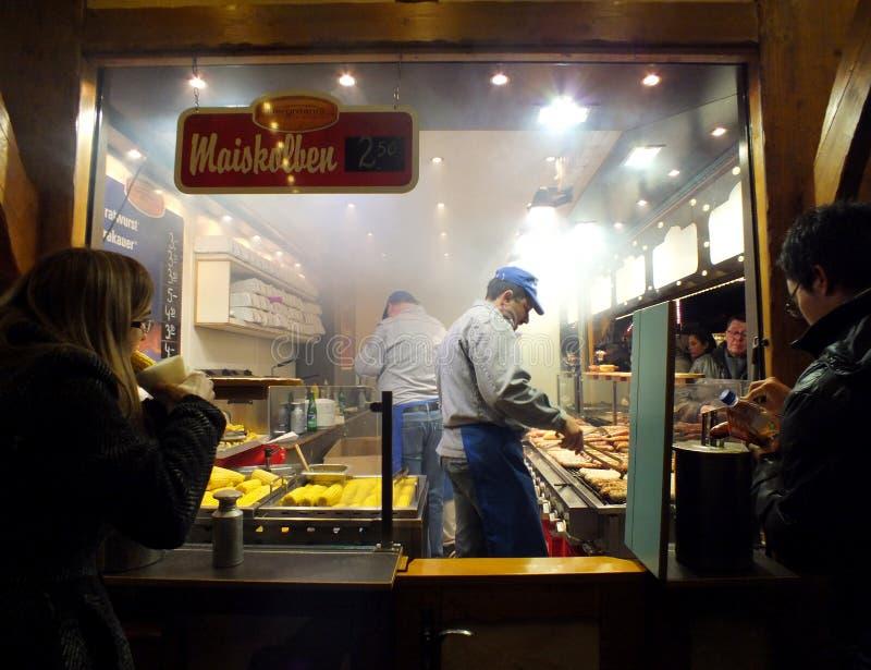 Soporte alemán de la comida foto de archivo