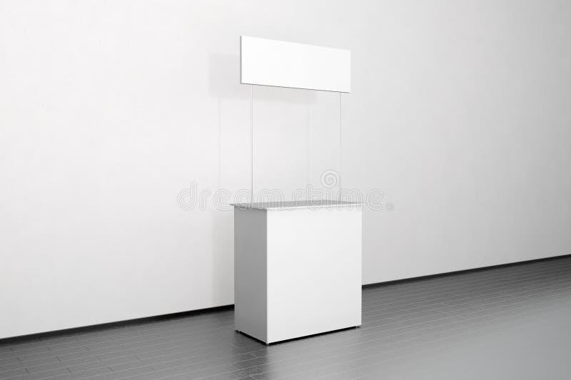 Soporte blanco en blanco cerca de la pared, lado de la maqueta del contador del promo imagen de archivo