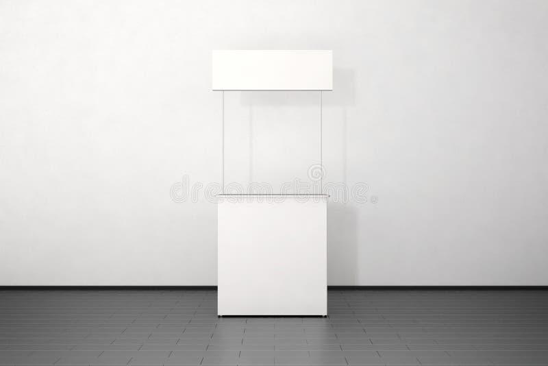 Soporte blanco en blanco de la maqueta del contador del promo cerca de la pared imagen de archivo