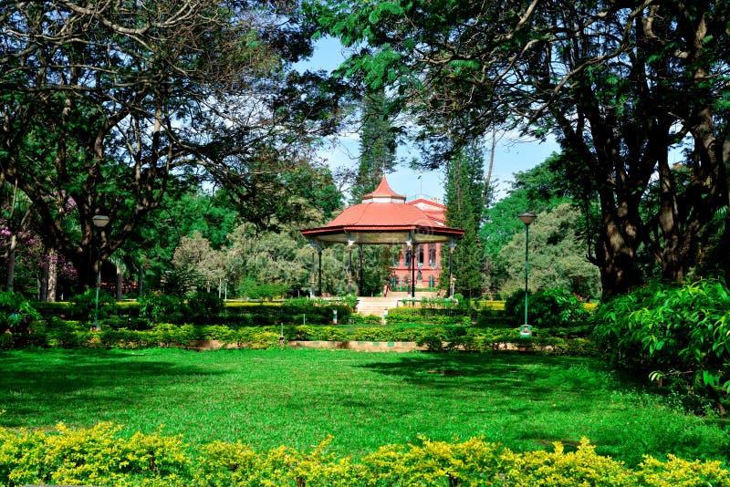 Soporte de banda en el parque de Cubbon, Bengaluru (Bangalore) foto de archivo